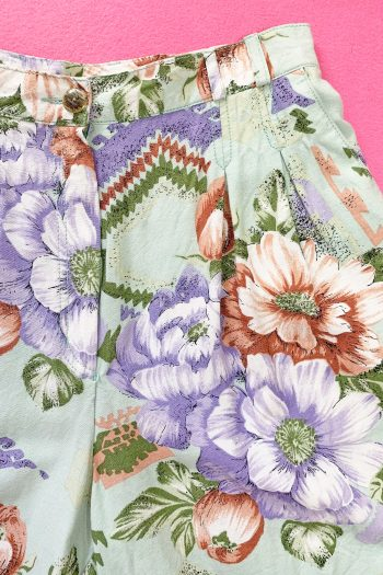 Boho Vintage 90's High Waist Floral Shorts – M 90s shorts