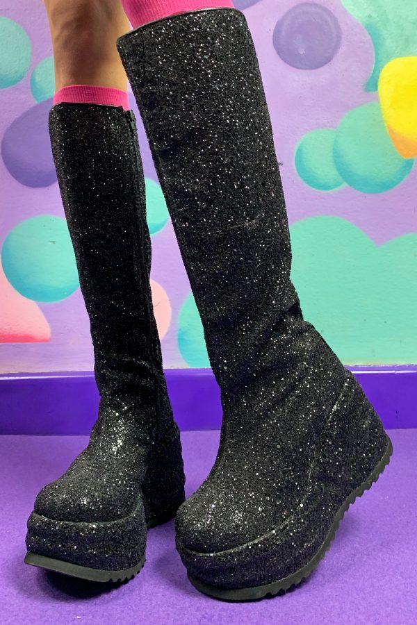 Cyber Vintage Y2K Glitter Platform Boots – EU 39 90s shoes